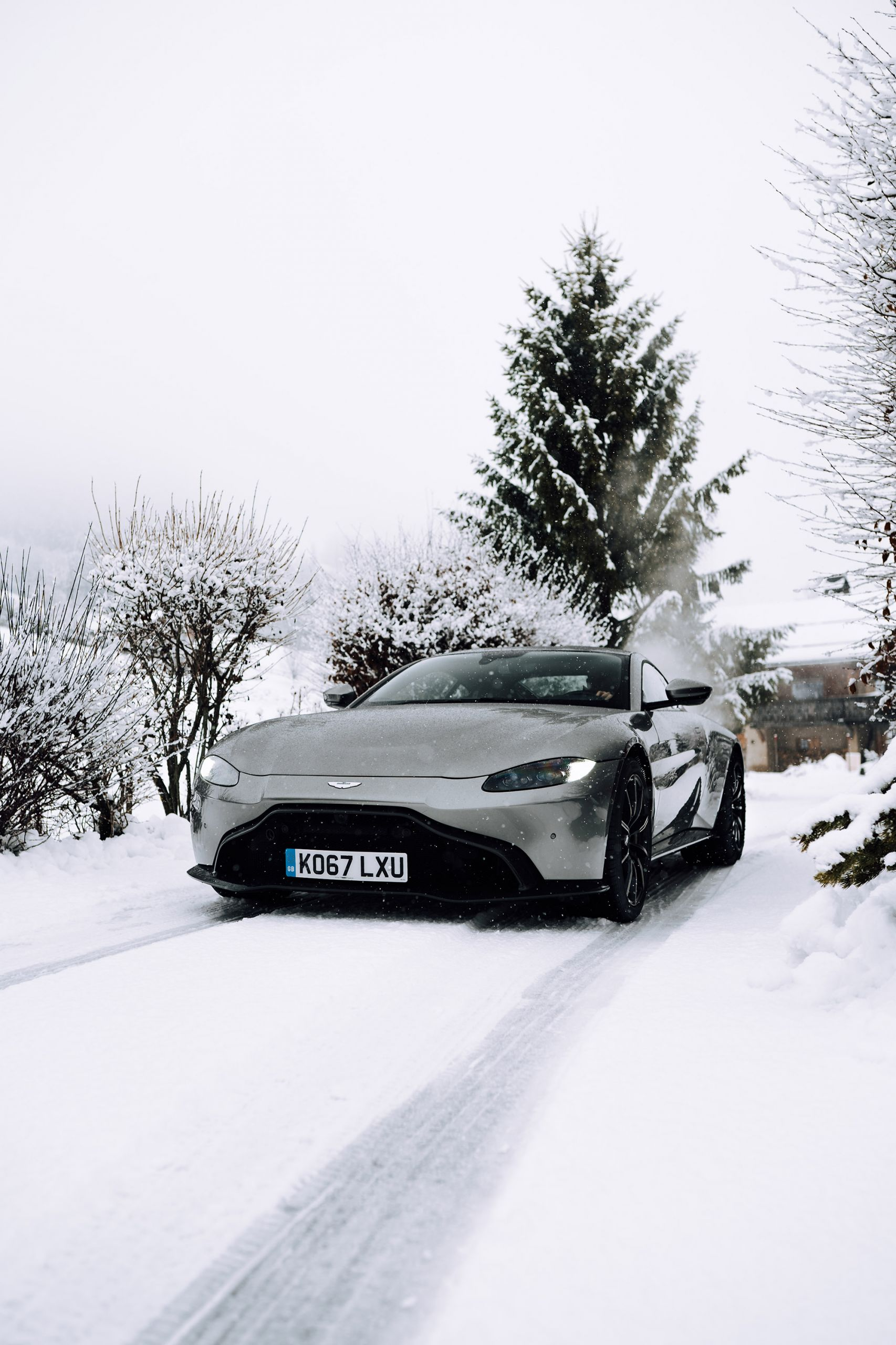 aston martin vantage snow tom claeren luxury influencer