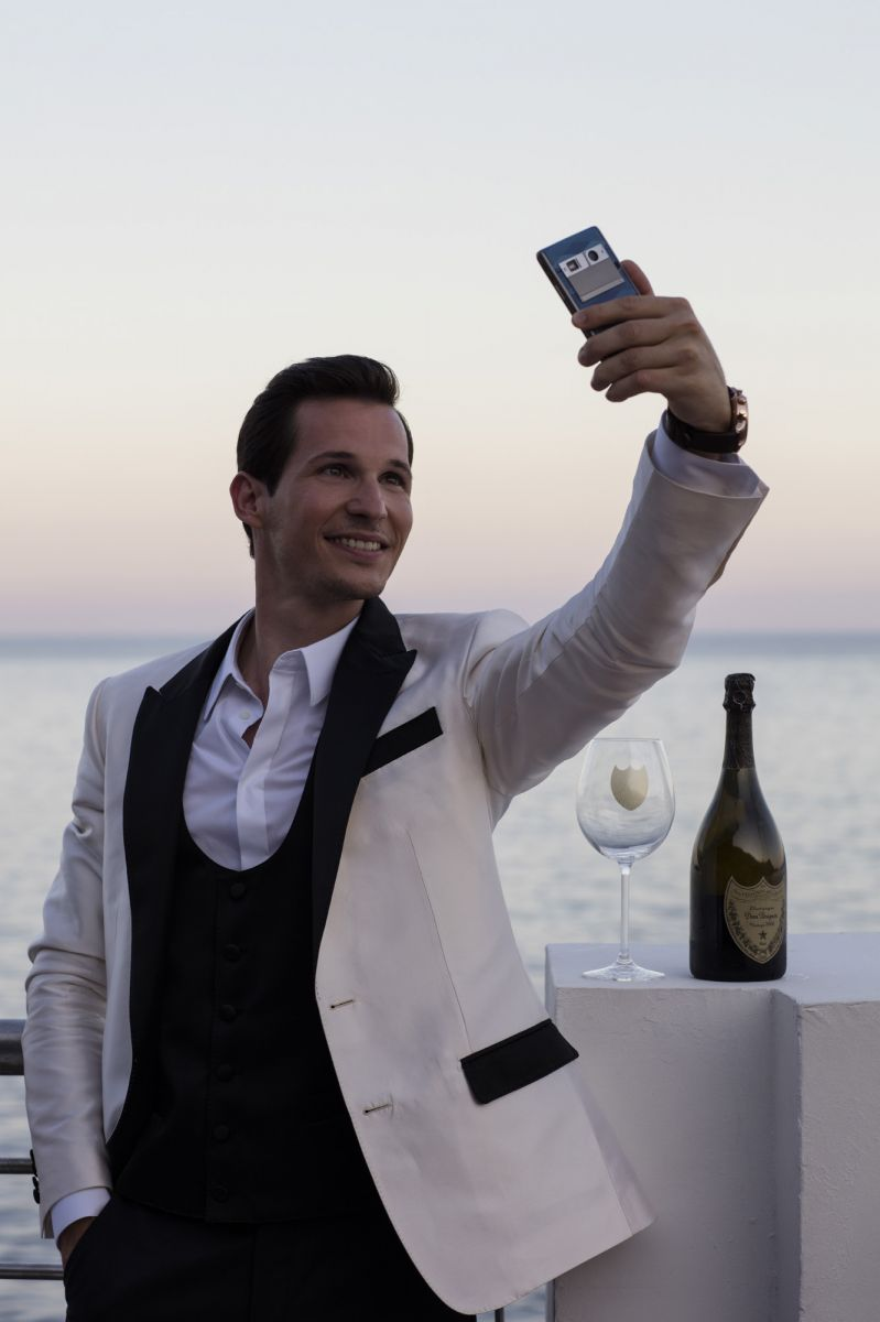 Fashion luxury phone Vertu Tom Claeren Dom Pérignon Monaco