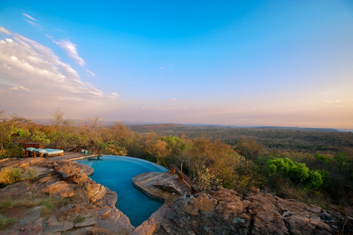 villa pool africa luxury safari