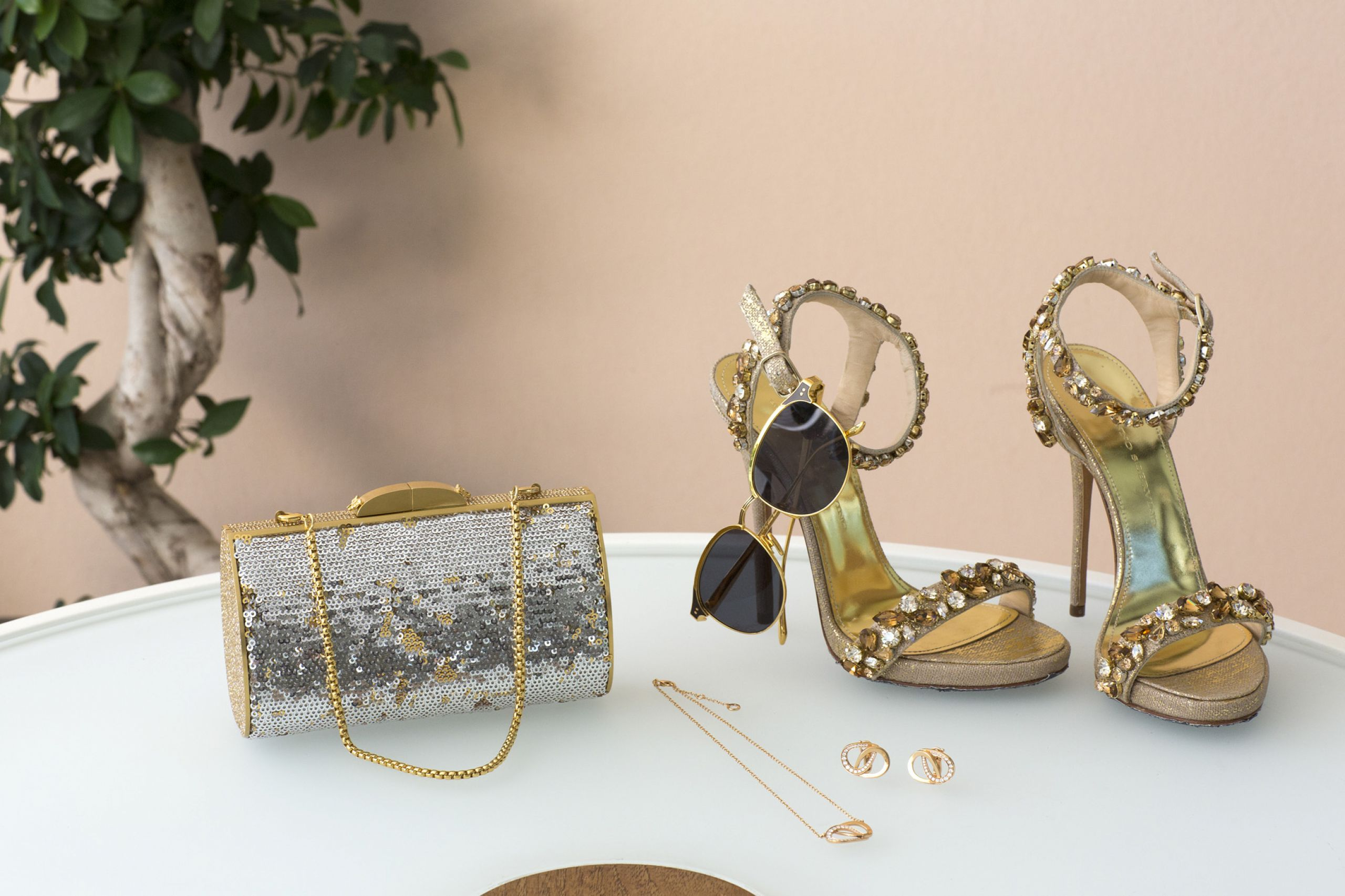 woman style leisure society shoes bag jewels